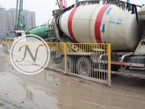竖管组装式基坑临边防护栏使用图 (2)