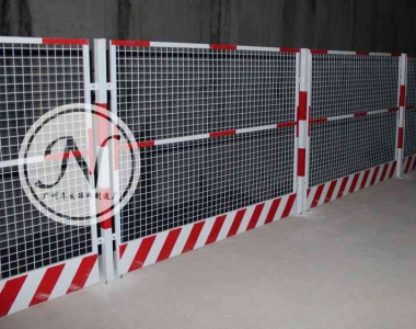 地铁施工基坑护栏围网