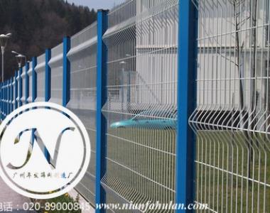 白色折弯护栏网